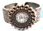 Largest watches China online store wholesale sunflower bronze floral chip forming bangle watch